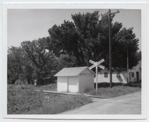 Missouri Pacific Railroad Company's box depot, Berryton, Kansas - Page