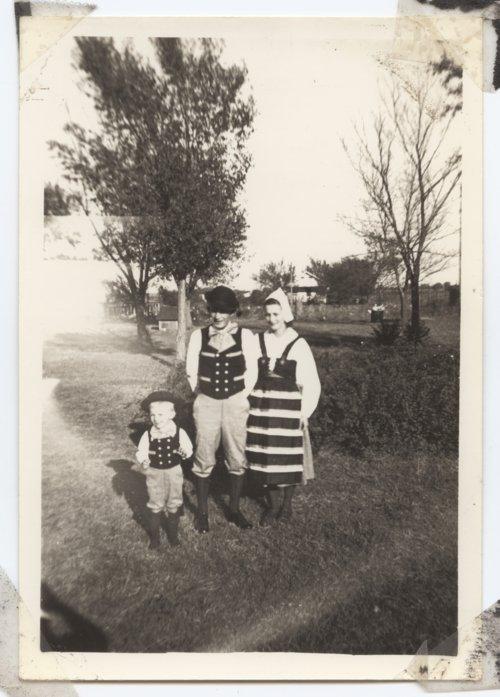 Johnson family at Svensk Hyllingsfest, Lindsborg, Kansas - Page