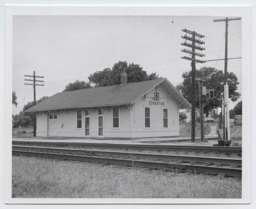 Atchison, Topeka and Santa Fe Railway Company depot, Edgerton, Kansas - Page