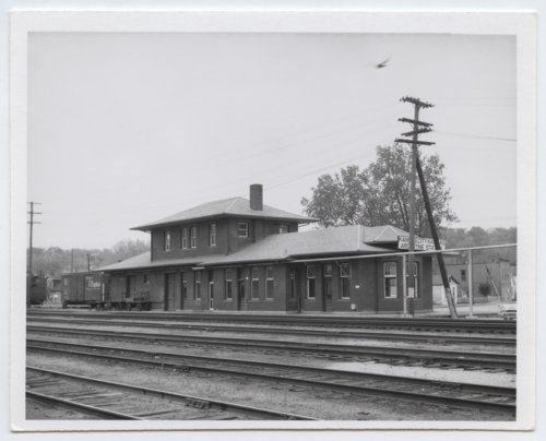 Atchison, Topeka and Santa Fe Railway Company depot, Argentine, Kansas - Page