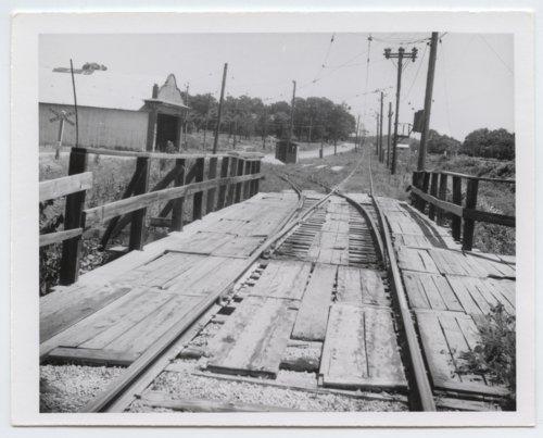 Kansas City, Kaw Valley railroad crossing, Bonner Springs