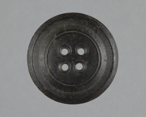 Novelty Rubber Company Button from Fort Zarah, 14BT301 - Page