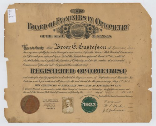 Certificate from Kansas Board of Examiners in Optometry for Broer G. Gustafson, Lawrence, Kan. - Page