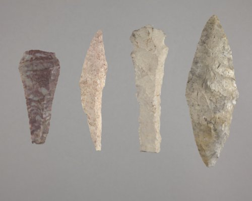 Alternately Beveled Knives from Anderson County - Page