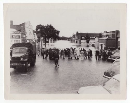 Council Grove flood 1951 - Page