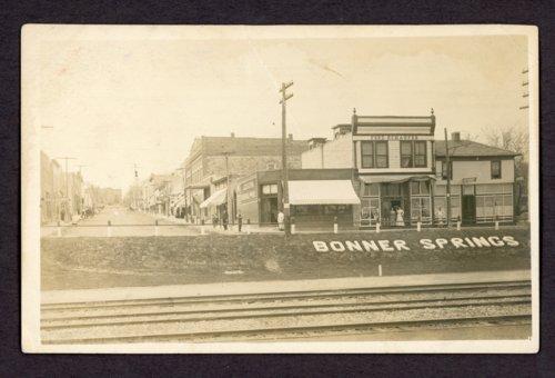 Bonner Springs postcard - Page