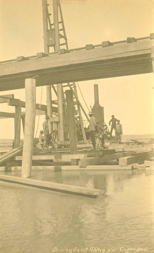 Atchison, Topeka & Santa Fe Railway Company Coffer Dam construction, Abo Canyon, New Mexico - Page