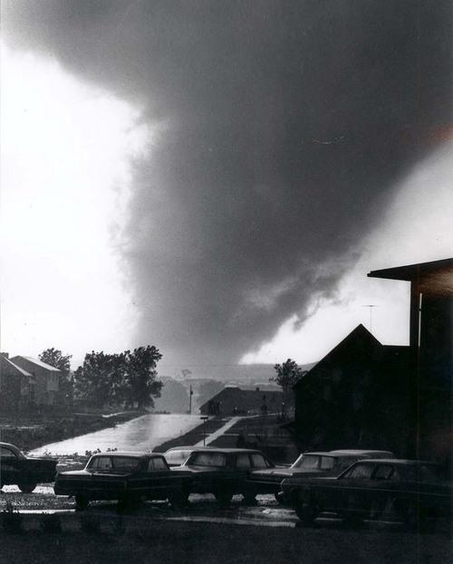 1966 Topeka tornado nears Burnett's Mound