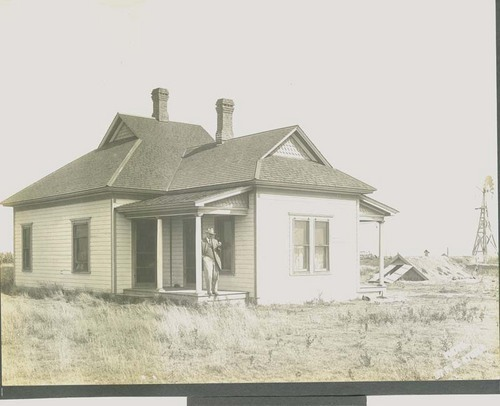 "F. E. ""Gene"" Murphy ranch house east of Santa Fe, Kansas - Page"