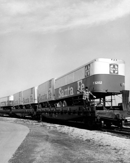 Atchison, Topeka & Santa Fe Railway Company's piggyback car - Page