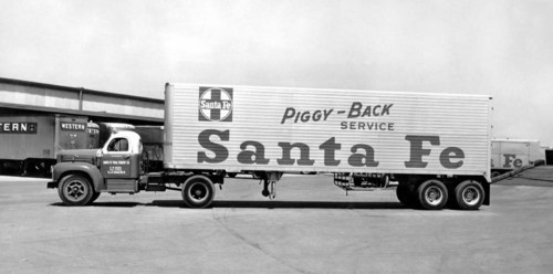 Atchison, Topeka, & Santa Fe Railway Company's piggy-back trailers - Page