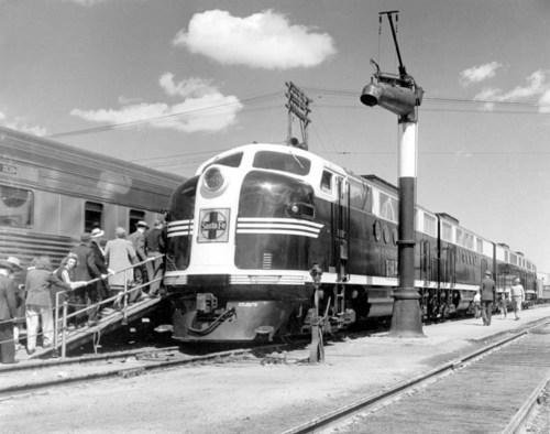 Public viewing of  new Atchison, Topeka, and Santa Fe Railway FT diesel engines, Hutchinson, Kansas - Page