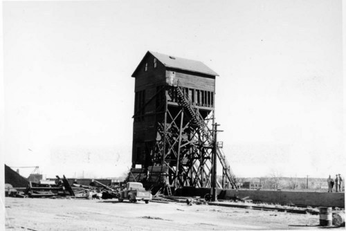 Atchison, Topeka, and Santa Fe Railway Company's coaling tower, Trindad, Colorado. - Page