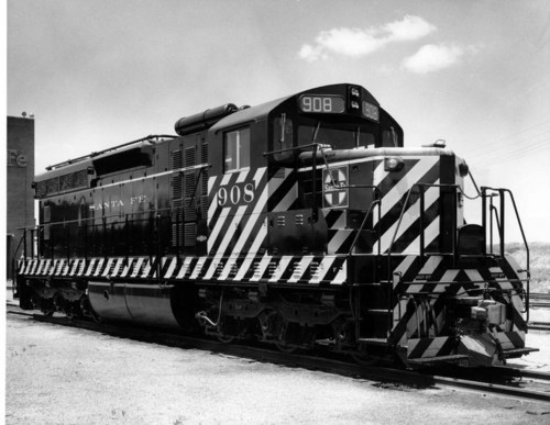 Newly delivered SD24 at Argentine Kansas - Page