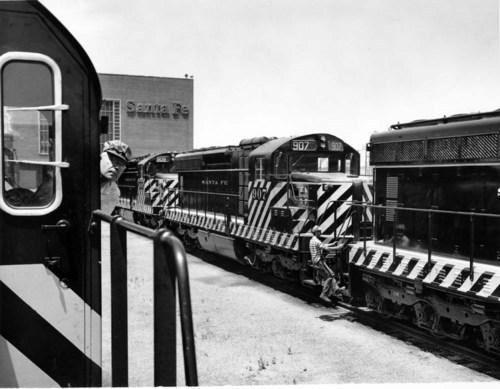 Atchison, Topeka, & Santa Fe Railway Company yard, Argentine, Kansas. - Page