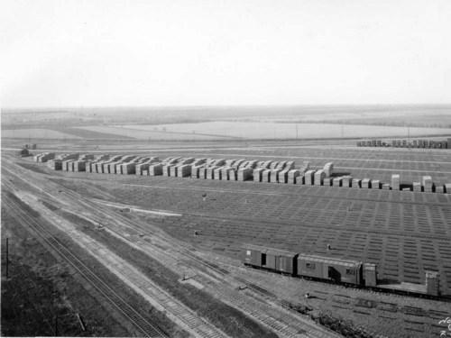 Atchison, Topeka & Santa Fe Railway tie treating plant in Wellington, Kansas - Page