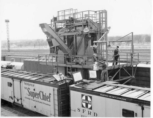 Atchison, Topeka, & Santa Fe Railway Company's refrigerator car, Argentine, Kansas. - Page