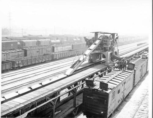 Atchison, Topeka, & Santa Fe Railway Company refrigerator cars, San Bernardino, CA - Page